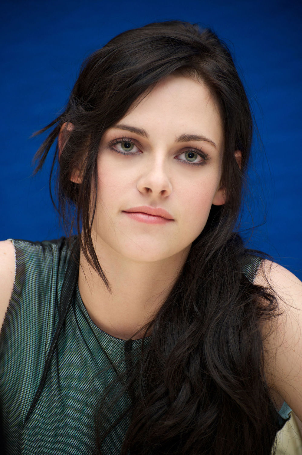 Kristen Stewart Favorite Things Color Bands Food Sports