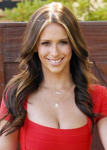 Jennifer Love Hewitt Favorite Beauty Products Color Food ...