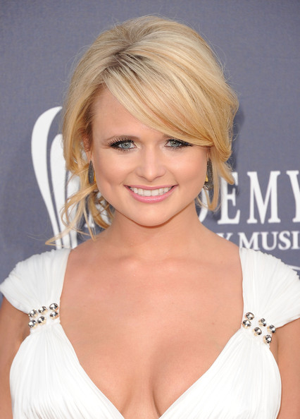 Miranda Lambert Favorite Food Perfume Color Hobbies Biography