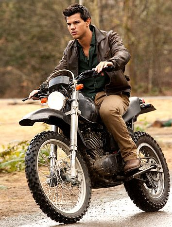 Taylor Lautner Favorite Things