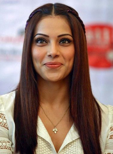 Bipasha Basu Favourite Food Perfume Book Color Hobbies Actor Bio