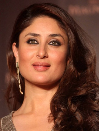 Kareena Kapoor Favorite Perfume Music Movie Food Bio