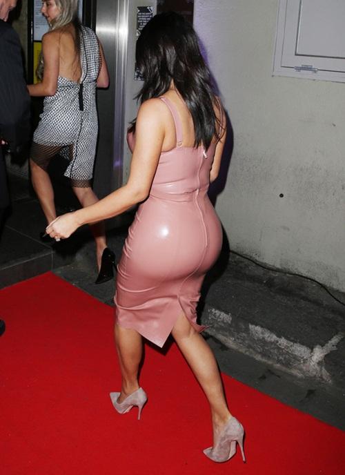 Kim Kardashian Butt Photo Shoot