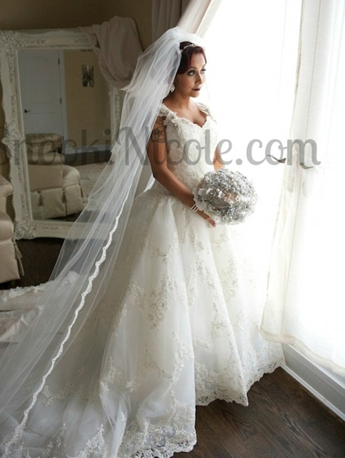 Snooki Nicole and her Husband Wedding Dress Ring Pictures