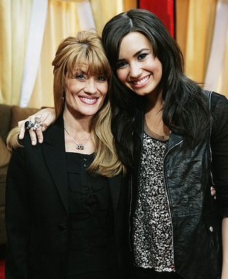 Demi Lovato Mother