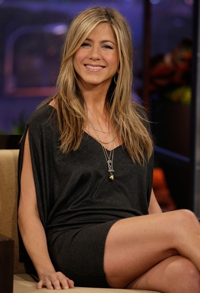 Hot or Not - Page 16 Jennifer-Aniston-Height-Weight-Bra-Size