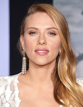 Scarlett Johansson Body Measurements Height Weight Shoe Bra Size Stats