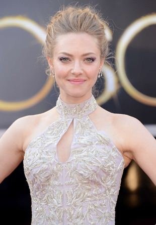 Amanda Seyfried Bra Size Height Body Pictures