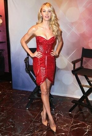 Candice Swanepoel Height Weight Bra Size