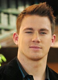 Body Measurements of Channing Tatum with Height Weight Shoe Size Stats