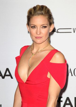 Kate hudson body measurements bra size height weight eye hair color