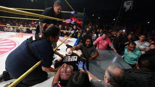 Mexican Wrestler Dies during match Vs ex-WWE Star Rey Mysterio