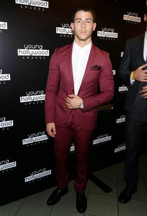 Nick Jonas Height Weight Stats