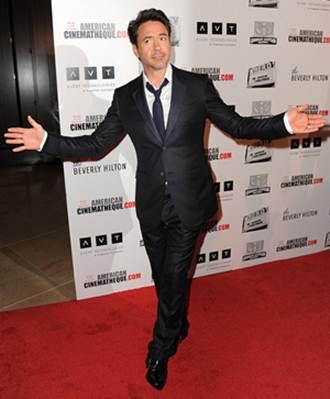 Robert Downey Jr. Height Weight Body Stats
