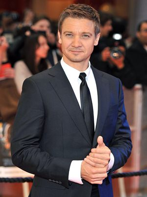 Jeremy Renner Body Measurements