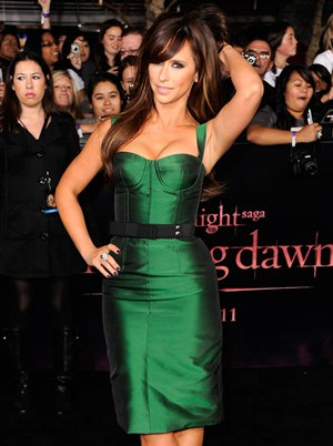 Jennifer Love Hewitt Body Measurements