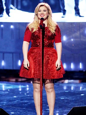 Kelly Clarkson Height Body Shape