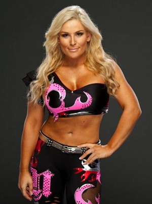 Natalya Neidhart Body Measurements