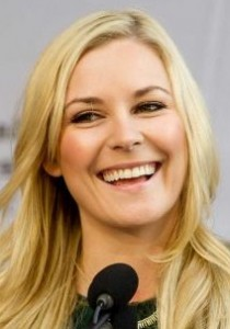 Renee Young Body Measurements Bra Size Height Weight Shoe Age Vital Statistics