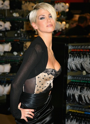 Sarah Harding Body Measurements Bra Size Height Weight Shoe Vital Statistics