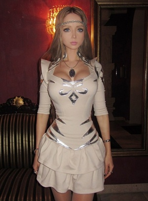 Valeria Lukyanova Body Measurements
