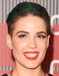 Halsey Singer Body Measurements Height Weight Bra Size Vital Stats Facts