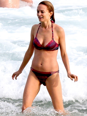Heather Graham Body Measurements