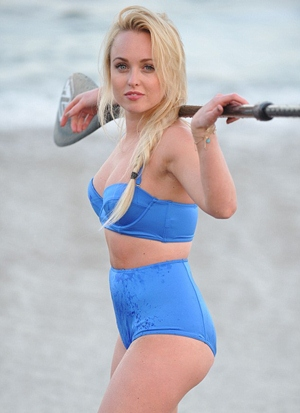 Jorgie Porter Height Body Figure Shape
