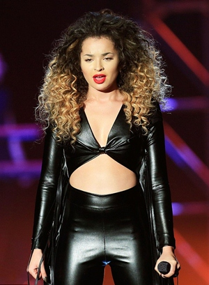Ella Eyre Body Measurements