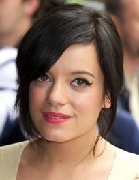Lily Allen Body Measurements Height Weight Bra Size Shoe ...