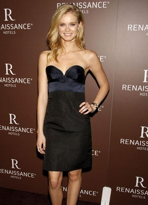 Sara Paxton Body Measurements
