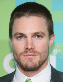 Stephen Amell Shoe Size