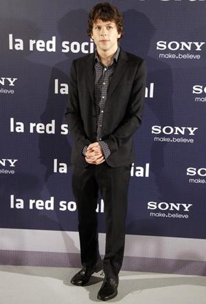 Jesse Eisenberg Height Weight Body Shape