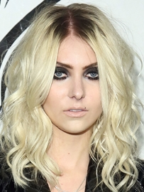 Taylor Momsen Body Measurements Bra Size Height Weight Vital ...