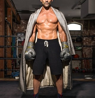 People TV : People.com Mobile |Frank Grillo Abs