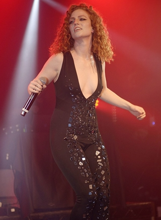 Jess Glynne Body Measurements Height Weight