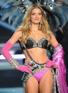 Lily Donaldson Body Measurements Height Weight Bra Size Shoe Age Vital Statistics
