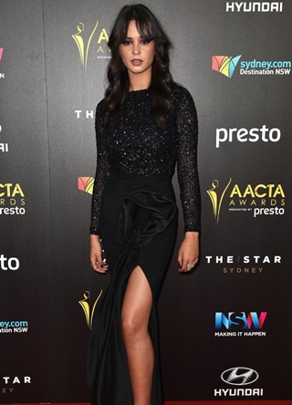 Courtney Eaton Body Measurements Height Weight