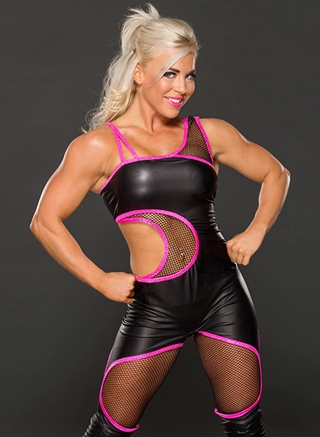 Dana Brooke Height Weight Body Figure Shape