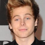 Luke Hemmings Body Measurements Height Weight Shoe Size Vital Stats Facts