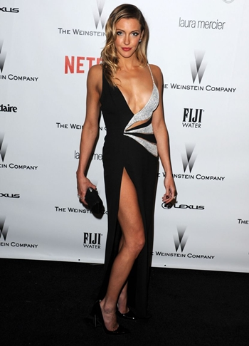 Katie Cassidy Height Weight Body Figure Shape