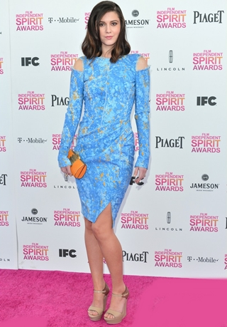 Mary Elizabeth Winstead Height Weight Body Figure Shape