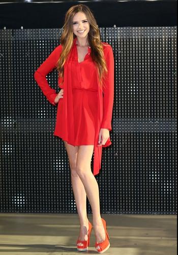 Nadine Coyle Height Weight Body Figure Shape