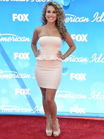 Haley Reinhart Height Weight Body Shape