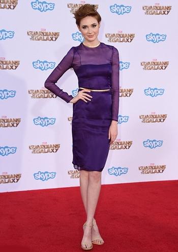 Karen Gillan Height Weight Body Shape