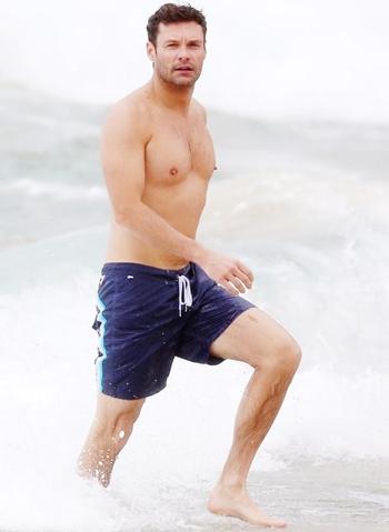 Ryan Seacrest Height Weight Body Shape