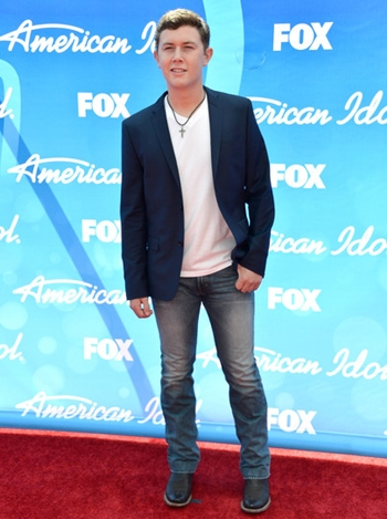 Scotty McCreery Height Weight Shoe Size