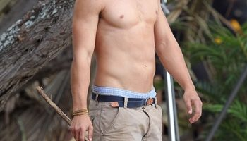 Brenton Thwaites Height Weight Body Measurements Shoe Size Age Stats