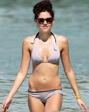 Eliza Doolittle Body Measurements Bra Size