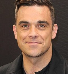 Robbie Williams Height Weight Shoe Size Body Measurements Age Ethnicity